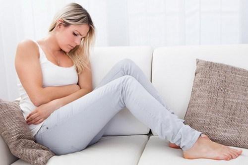 blonde-menstrual-pain10